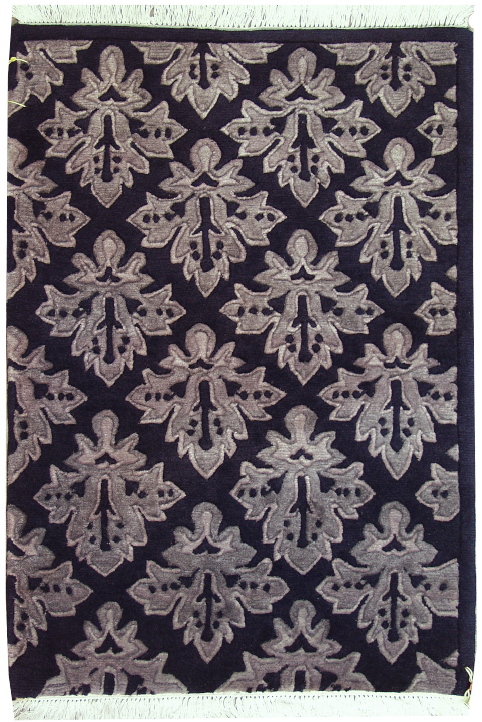 2x3 Diamond Design Rug